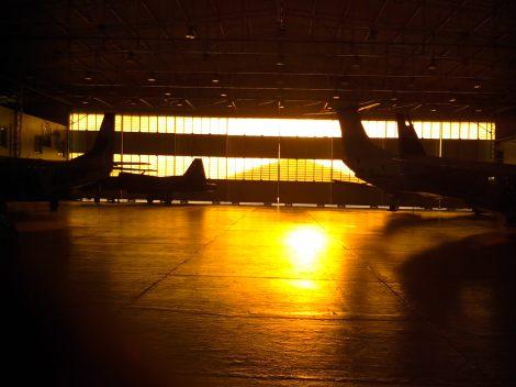 Na Base Aérea Militar conhecemos o avião espanhol Case e o helicóptero Black Hawk, vindo diretamente dos Estados Unidos (Foto: Agnes Sofia)