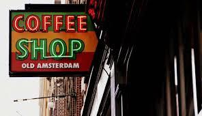 Na Holanda, é permitido consumir até 5g de drogas leves como a maconha nos cafés (Foto: senado.gov.br)